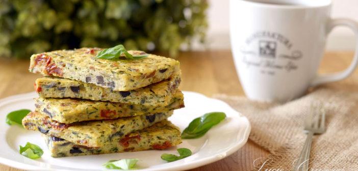 Placky z cuket se sušenými rajčaty a olivami