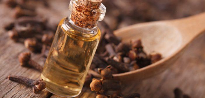 6 Výhod hřebíčkového oleje nazdraví střev a kůže